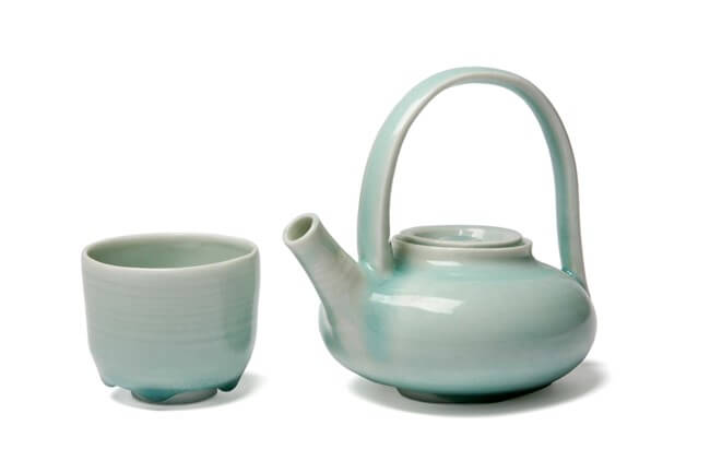 Teapot and tea bowl, 2008. Photographed by Dave Williams.